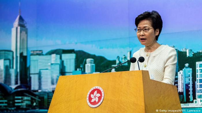 Hongkong Sicherheitsgesetz Carrie Lam (Getty Images/AFP/I. Lawrence)