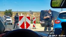 Juli 2020 Spanien Katalonien | Themenbilder zu Rassismus und lockdown in Katalonien Two hundred policemen closed the perimeter of Lleida and its region. Copyright by Ferran Barber