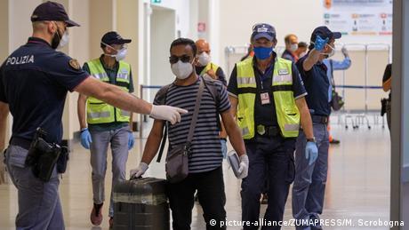 Κορονοϊός: Χάος με τα υποχρεωτικά τεστ στην Ιταλία
