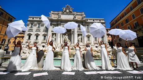 BdTD Italien Coronavirus Bräute Flashmob (Getty Images/AFP/T. Fabi)