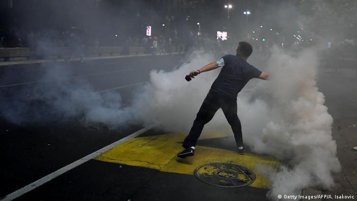 Serbien Coronavirus Proteste (Getty Images/AFP/A. Isakovic)
