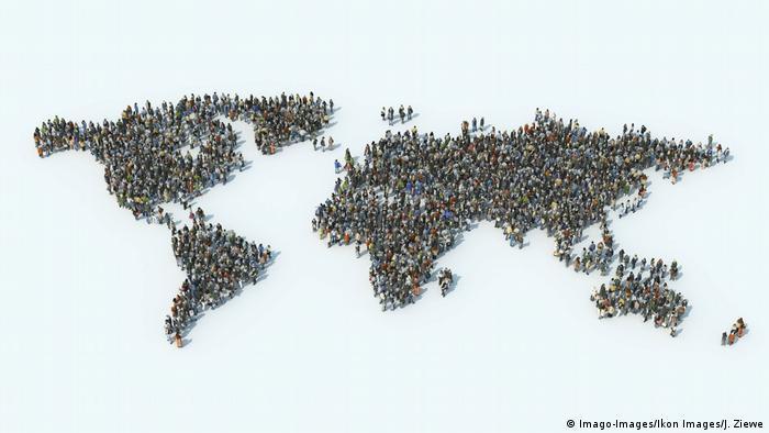 Symbolbild | Welt Bevölkerung (Imago-Images/Ikon Images/J. Ziewe)