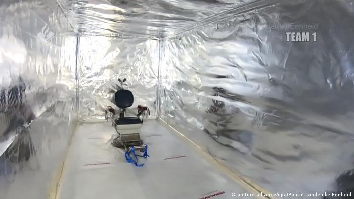 Wnętrze kontenera - prawdziwa izba tortur
