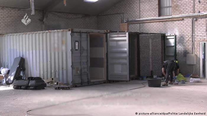 EINSCHRÄNKUNG |Niederlande Wouwse Plantage |Folter