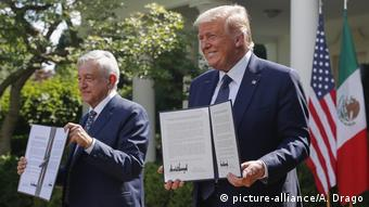 USA, Washington I Präsident Mexiko I Andres Manuel Lopez Obrador und US-Präsident Donald Trump (picture-alliance/A. Drago)