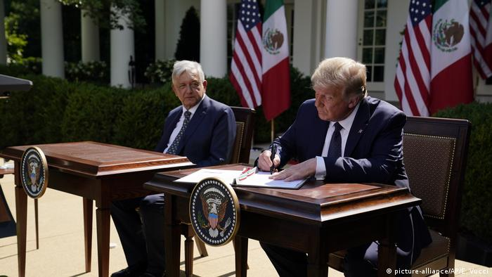 USA, Washington I Präsident Mexiko I Andres Manuel Lopez Obrador und US-Präsident Donald Trump (picture-alliance/AP/E. Vucci)