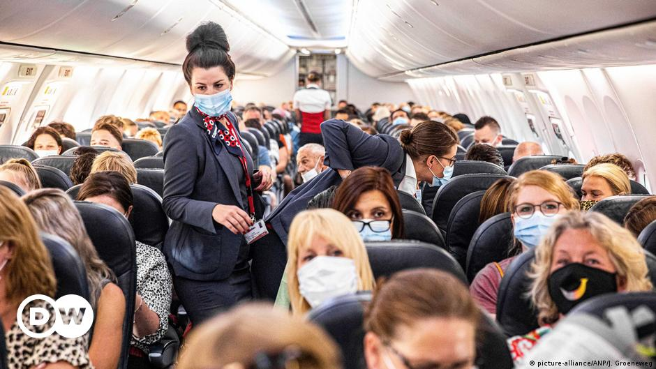 How Safe Is Air Travel During Covid 19 Science In Depth Reporting On Science And Technology Dw 29 10 2020