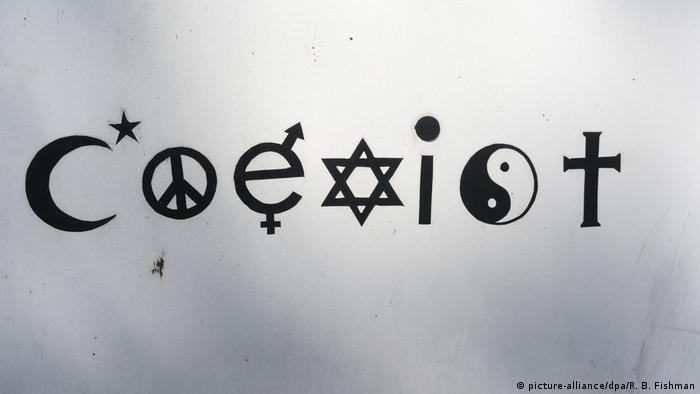 Symbolbild Nebeneinander von Religionen