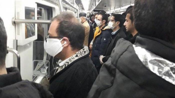 کمبود وسایل نقلیه عمومی عامل اصلی گسترش کرونا در تهران