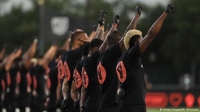 USA MLS Is Back Tournament Orlando City SC v Inter Miami CF   Anti-Rassismus Geste (Getty Images/M. Ehrmann)
