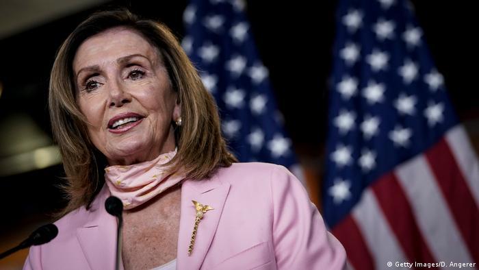 USA Washington | Nancy Pelosi während Pressekonferenz