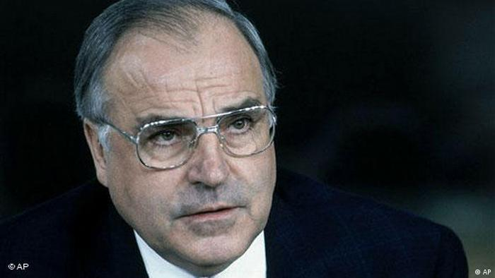Helmut Kohl (AP)