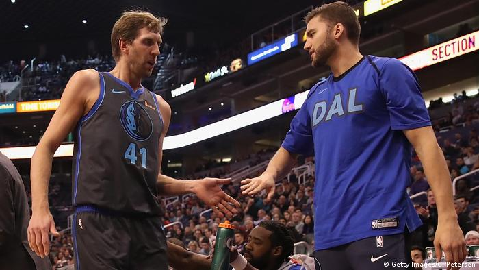 Dirk Nowitzki and Maxi Kleber (Getty Images/C. Petersen)