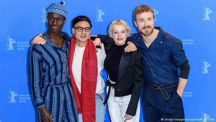 Actor Welket Bungu, director Burhan Qurbani, actress Jella Haase, actor Albrecht Schuch at the photcall for the film BERLIN ALEXANDERPLATZ on the occasion of the 70th Berlin International Film Festival (Imago Images/snapshot/F. Boillot)