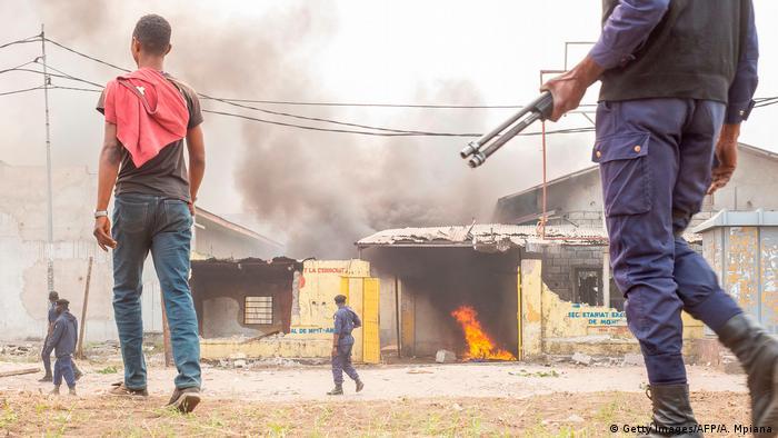 Demonstrationen gegen die Präsidentschaftspartei Union für Demokratie und sozialen Fortschritt (UDPS) in Kinshasa