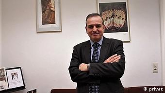 Deutschland Bayern München Prof. Konstantin Nikolakopoulos Porträt