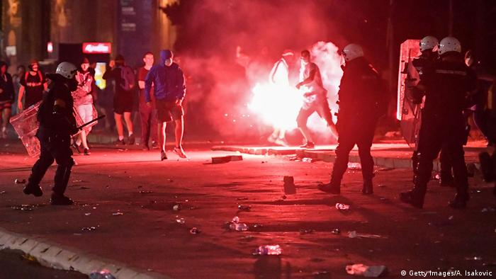 Police clash with protesters near the National Assembly building in Belgrade, on July 10, 2020 (Getty Images/A. Isakovic)