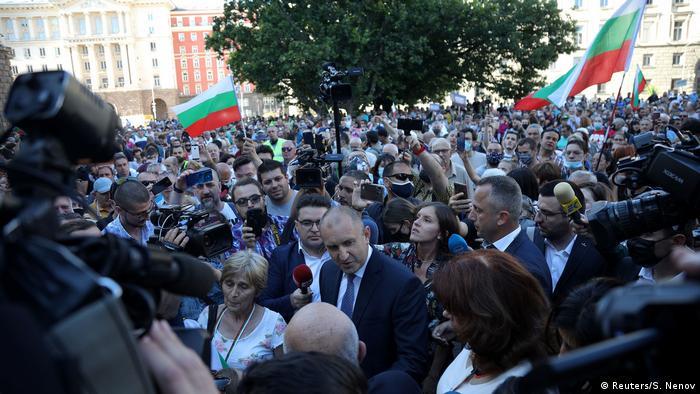 Rumen Georgiew Radew I Staatspräsident Bulgarien I Demonstranten