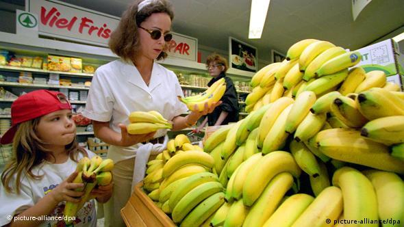 Bananen im Supermarkt Bananenstreit Flash