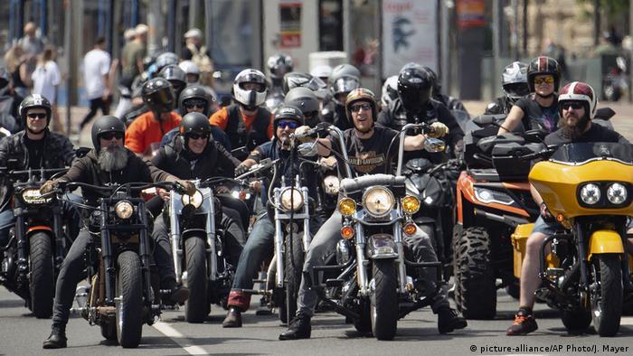 Deutschland Leipzig   Motorraddemo gegen Fahrverbote