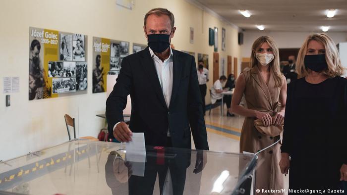 Polen Stichwahl Präsidentenamt |Donald Tusk in Sopot (Reuters/M. Niecko/Agencja Gazeta)