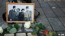 Themenbilder zum Buch von Jamsheed Faroughi - Begegnung mit einem Rätsel Beschreibung: Das neue Buch von Jamsheed Faroughi / Verlegung der Stolpersteine, Köln, 14. März 2019, Es handelt sich um die Opfer der NS.