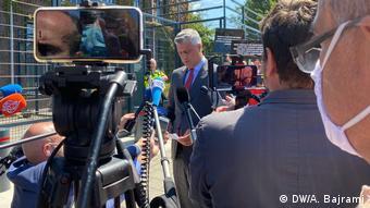 Den Haag Anklage Hashim Thaci Präsident Kosovo (DW/A. Bajrami)