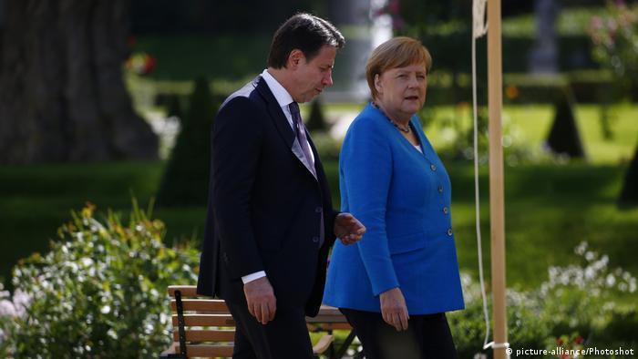 Deutschland Merkel empfängt den italienischen Ministerpräsident Conte auf Schloss Meseberg (picture-alliance/Photoshot)