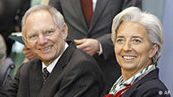 France's Finance Minister Christine Lagarde, right, and and German Finance Minister Wolfgang Schaeuble