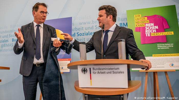 For fair supply chains: German Development Minister Gerd Müller (CSU, left) and Federal Labor Minister Hubertus Heil (SPD)