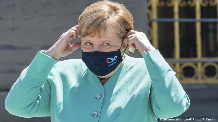 Deutschland Bundeskanzlerin Angela Merkel (picture-alliance/AP Photo/P. Kneffel)