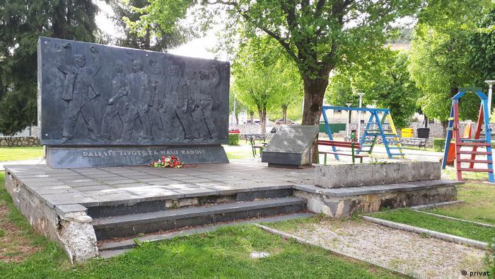 Sporni spomenik u Perušiću