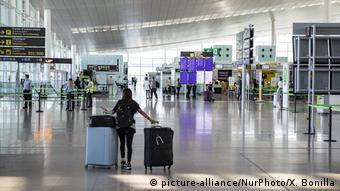 Ελάχιστοι επιβάστες στο αεροδρόμιο της Βαρκελώνης