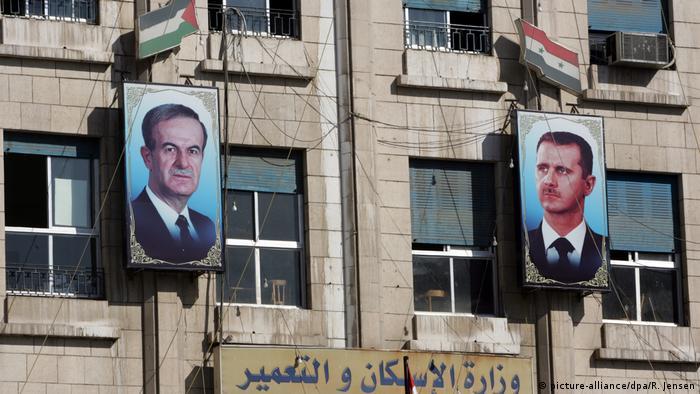 Syrien Propaganda Konterfeis der Staatpräsidenten al-Assad