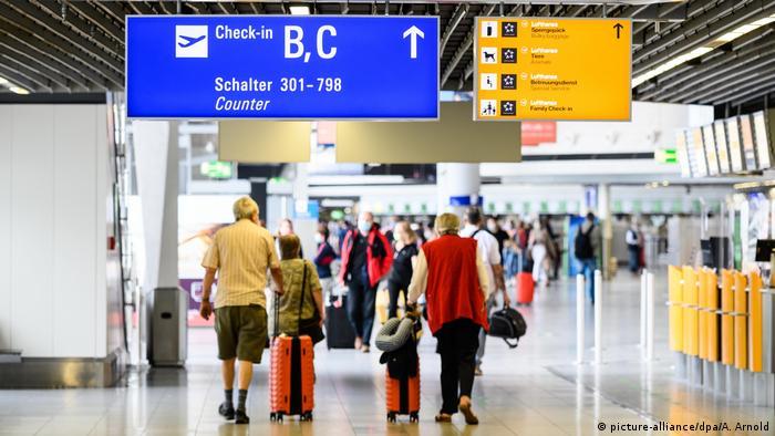 Deutschland Reiseverkehr am Flughafen Frankfurt