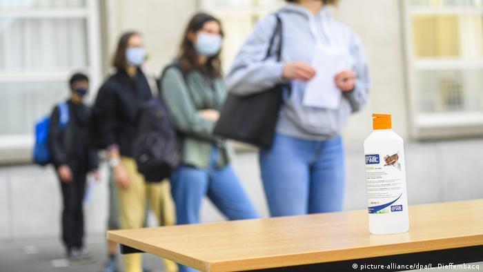 Belgien Corona-Pandemie   Schule (picture-alliance/dpa/L. Dieffembacq)