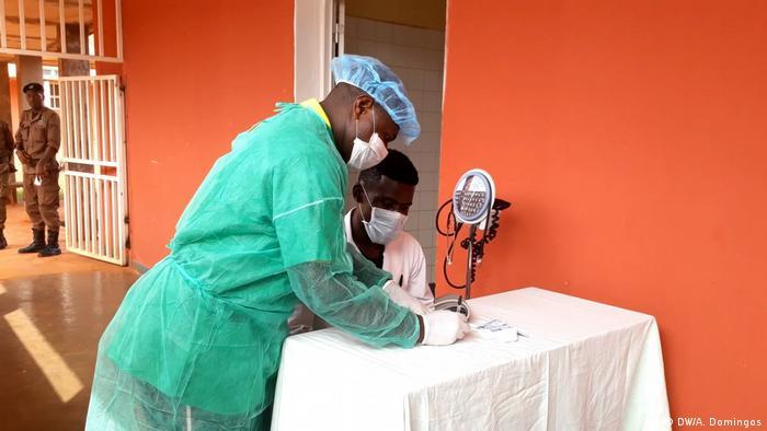 Angola Coronavirus Krankenpfleger in Kwanza Norte