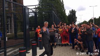 Der Präsident von Kosovo Hashim Thaci in Den Haag vor einem Sondergericht