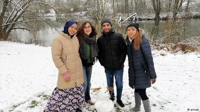 Dina Novian dan teman-teman musim dingin di Jerman
