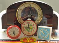 ساعت گوشیهای موبایل بازار ساعتهای زنگدار قدیم را کساد کردهاند