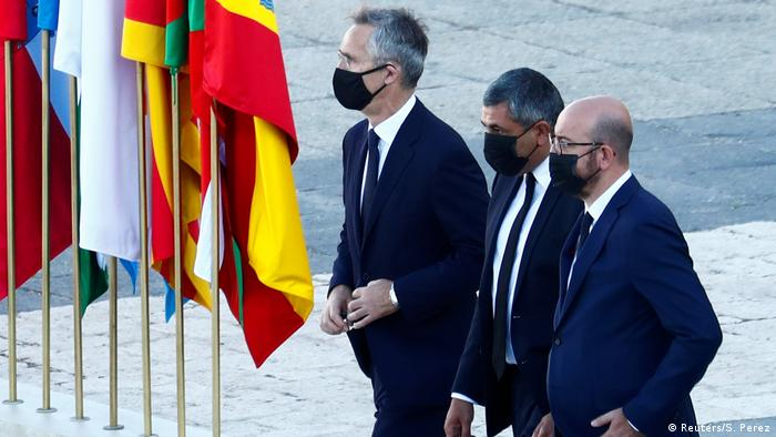 Trauerfeier zu Ehren der Coronatoten in Madrid (Reuters/S. Perez)