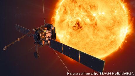 ESA - Sonde Solar Orbiter macht Sonnenbilder (picture-alliance/dpa/ESA/ATG Medialab/NASA)