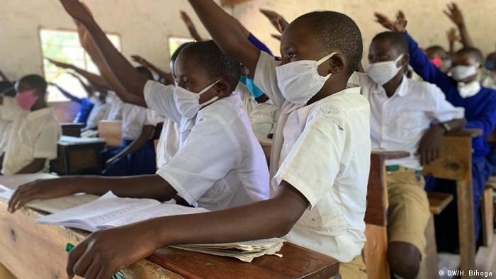 مدرسة في تنزانيا