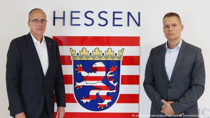 Hessen Eyaleti İçişleri Bakanı Peter Beuth ve'NSU 2.0' imzalı mektuplarla ilgili soruşturmayı yürüten Hanspeter Mener