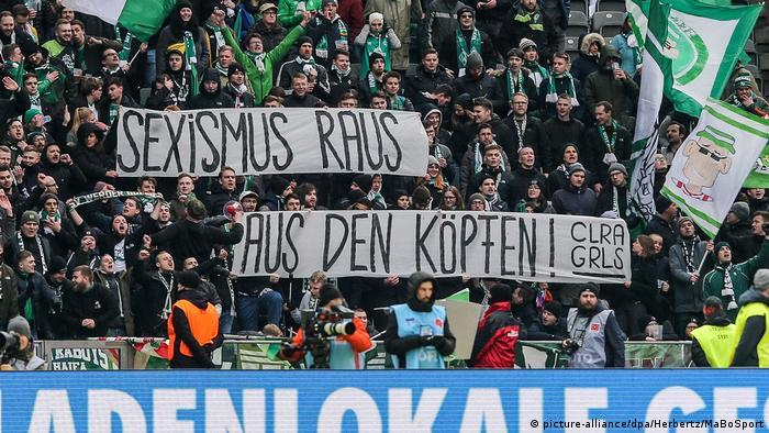 Werder Bremen taraftarları da cinsiyetçiliğe karşı tavır sergiliyor