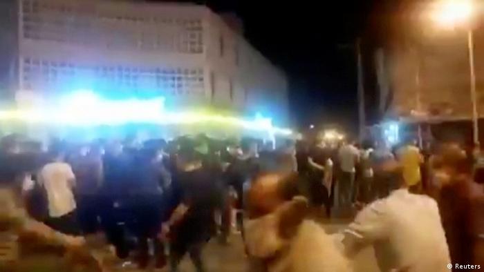 Iran Behbahan  Protest gegen wirtschaftliche Schwierigkeiten