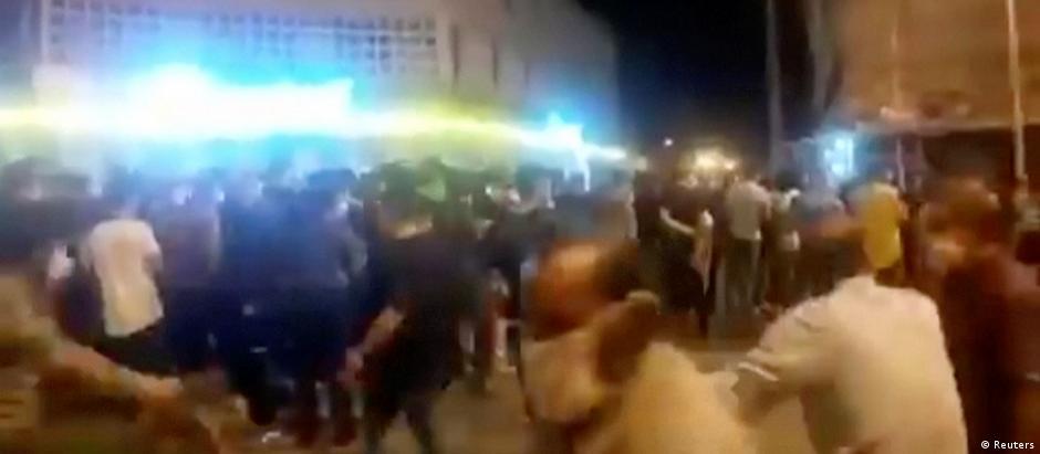 Iran Behbahan  Protest gegen wirtschaftliche Schwierigkeiten (Reuters)
