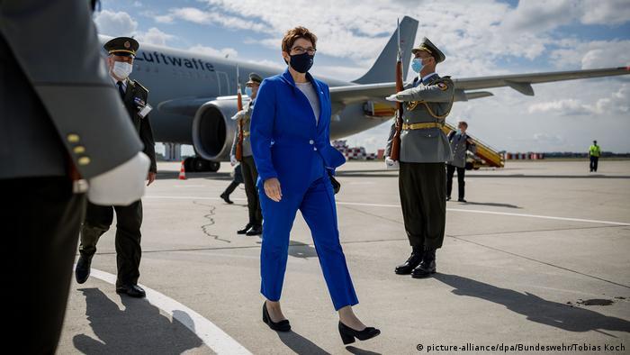 Almanya Savunma Bakanı Annegret Kramp-Karrenbauer