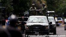 Mexiko Mexiko Stadt | Soldaten bewachen Krankenhaus nachdem Polizeichef Omar Garcia Harfuch angegriffen wurde