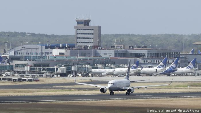 Blick auf den Tocumen-Flughafen in Panama Stadt (picture-alliance/AP Photo/A. Franco)